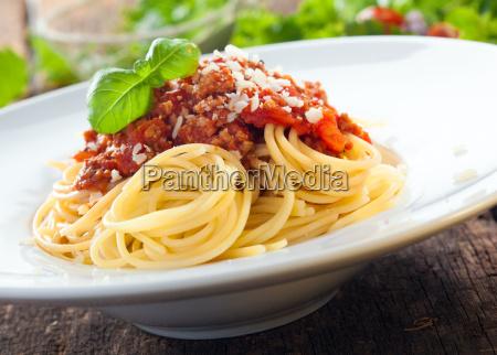 italienische spaghetti mit sosse von bolognese