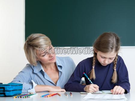 lernen erfahren schuelerin klasse brief schreiben