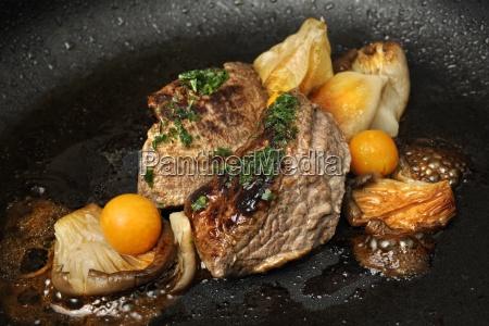 hirschfleisch mit pilzen