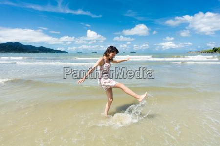 teenager am strand