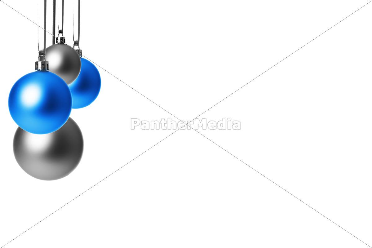 blaue und silberne weihnachtskugeln h ngend lizenzfreies foto 10090220 bildagentur. Black Bedroom Furniture Sets. Home Design Ideas