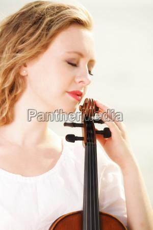 frau unterhaltung entertainment konzert musik klang