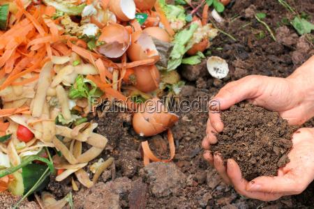 kompostierte erde komposthaufen compost