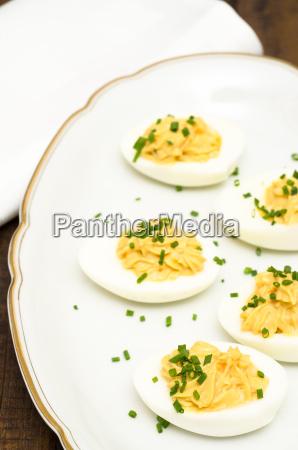 hart gekochte eier mit fuellung aus