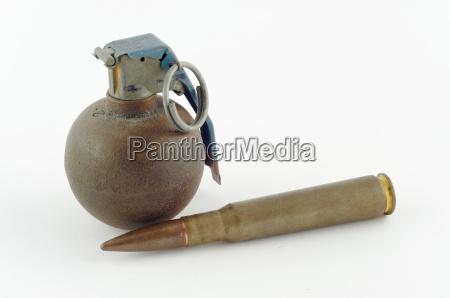 patrone und granate
