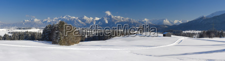 panorama landschaft im allgaeu in bayern