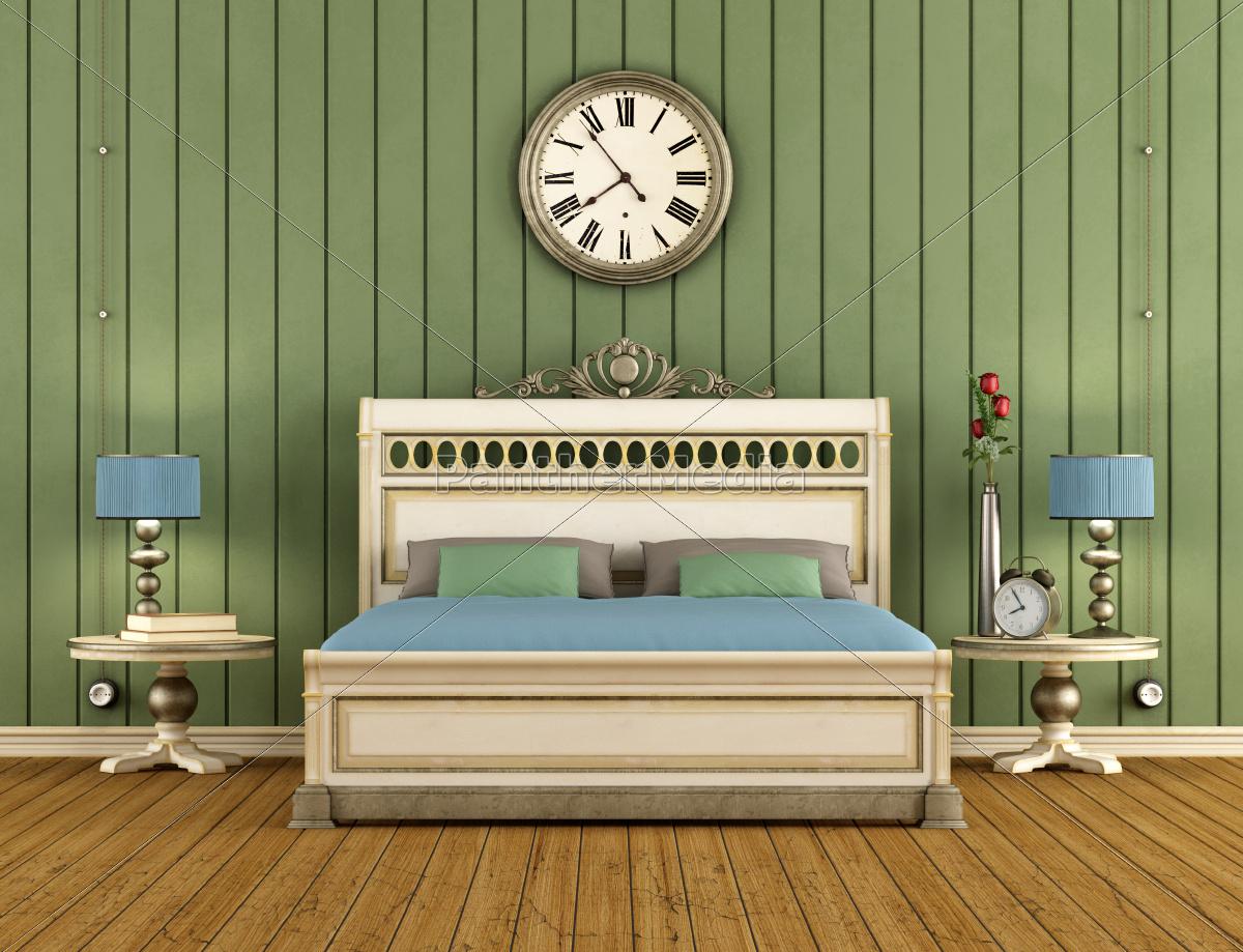 Lizenzfreies Bild 10257517 - vintage schlafzimmer mit grünen wandverkleidung