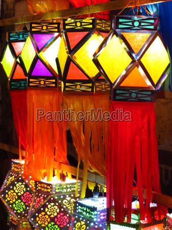 tradional diwali lanterns