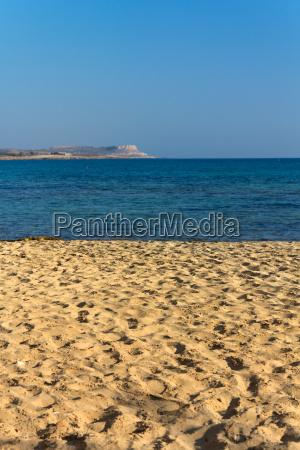 meer strand traumstrand sand sonnenschirm zypern