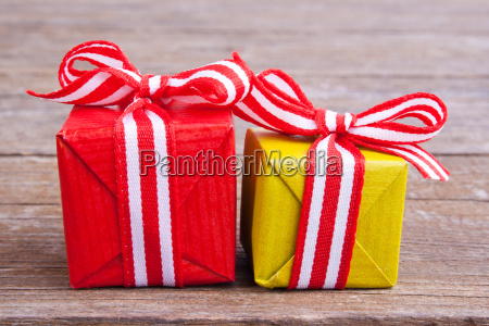 white red present presents gift gifts