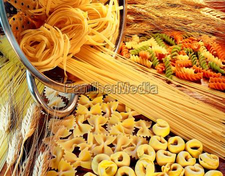 sortiment roher pasta