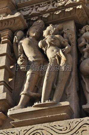 menschliche skulpturen im vishvanatha tempel westliche