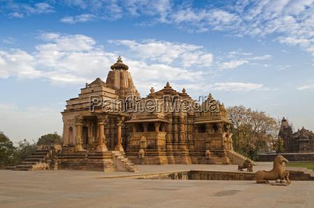 blau fahrt reisen religion religioes tempel