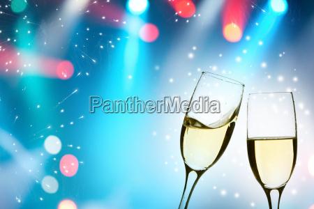 fluessig glaeser erfrischungsgetraenk sekt champagner neujahr