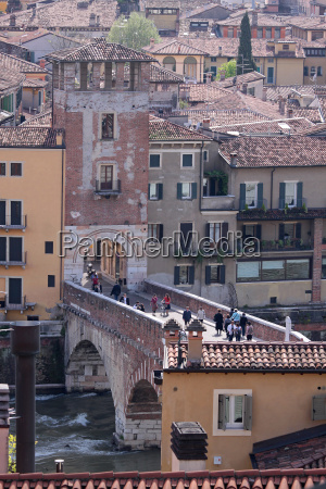 ponte di pietra bridge over the