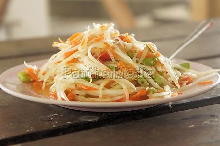 gruener papaya salat thailaendisches essen
