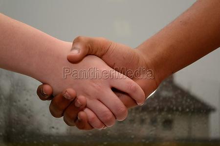 handshake unter jugendlichen