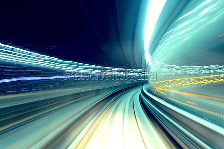 zug schnell vorbei tunnel