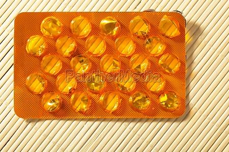 orange packung tabletten tabletten arzneimittel gesundheitsversorgung