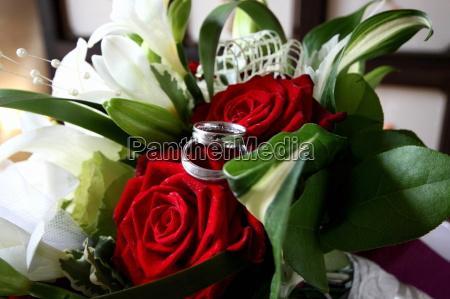 Blumenstrauß, Brautstrauß, Eheringe, Hochzeit, Liebe, Ring - 10867942