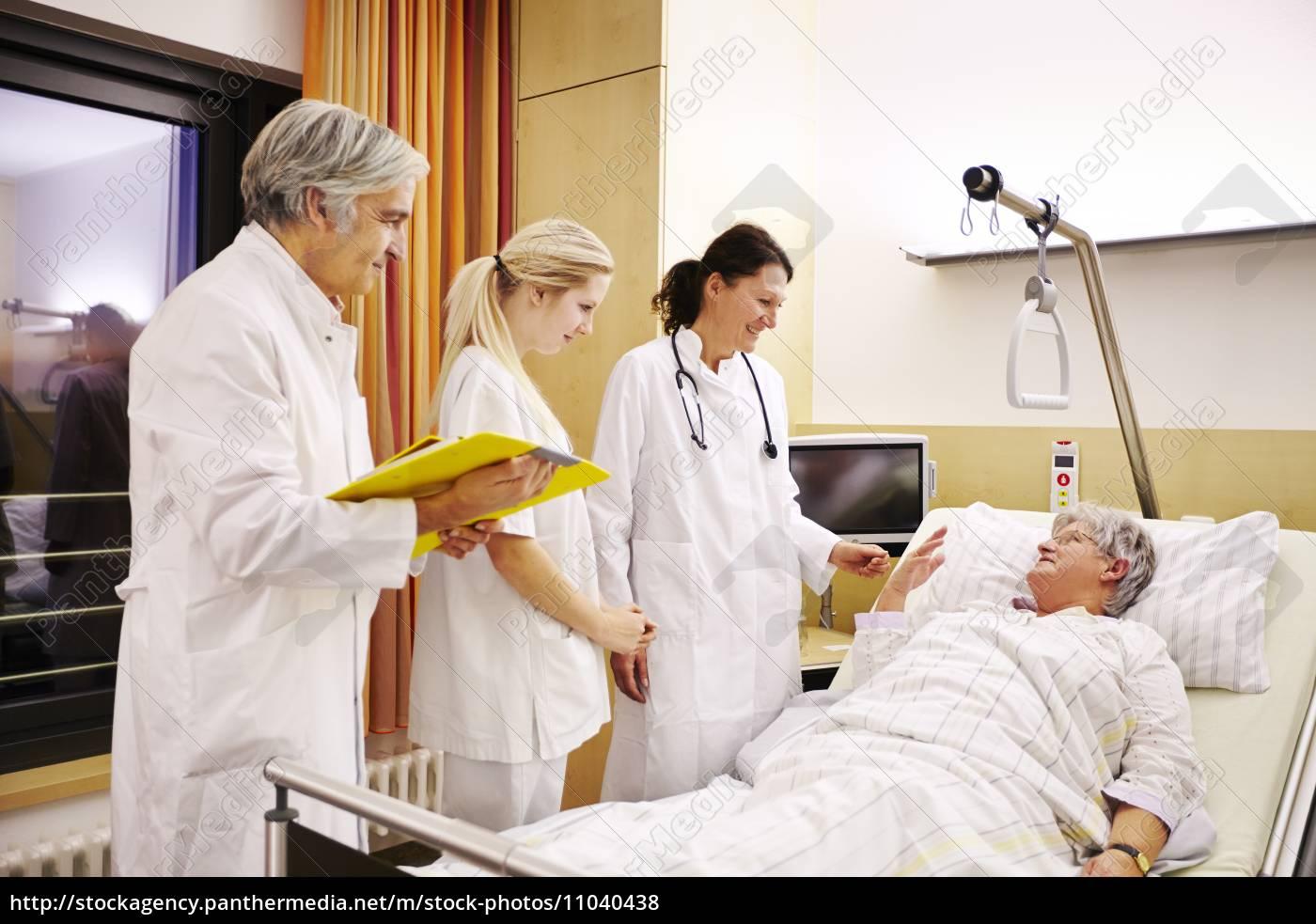 Gangbang Im Krankenhaus Mit Der Heißesten Patientin