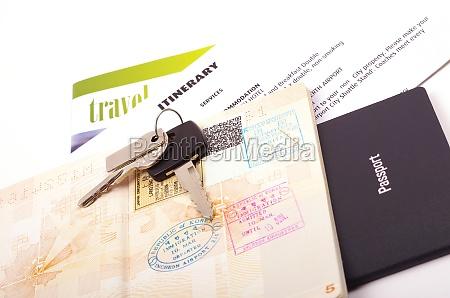 offener reisepass und reisedokumente