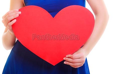 weibliche handbeteirungen valentinstag symbol rote herz