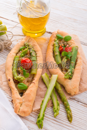 home baked pide with green asparagi