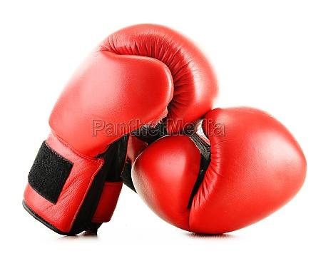leder boxhandschuhe isoliert auf weiss
