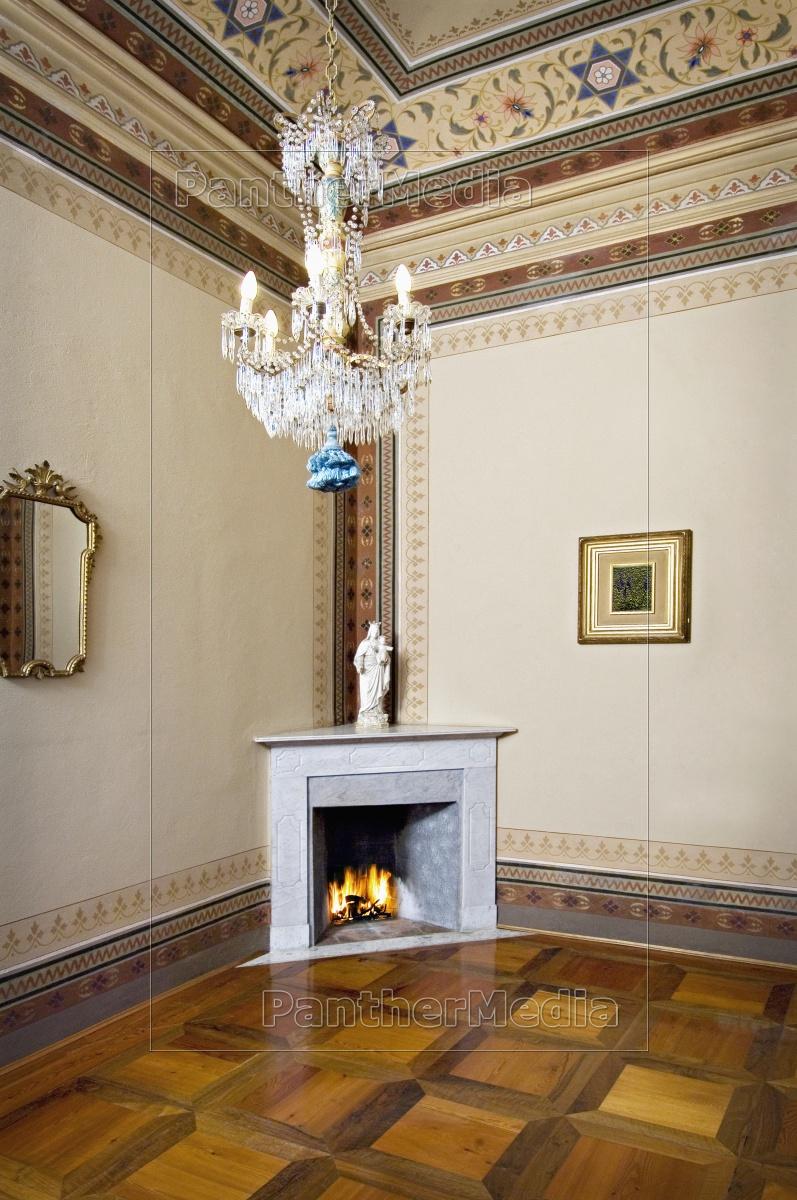 Vignette Italienischer Kamin In Der Ecke Mit Lizenzfreies Bild 11319233 Bildagentur Panthermedia
