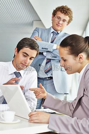 discussing data