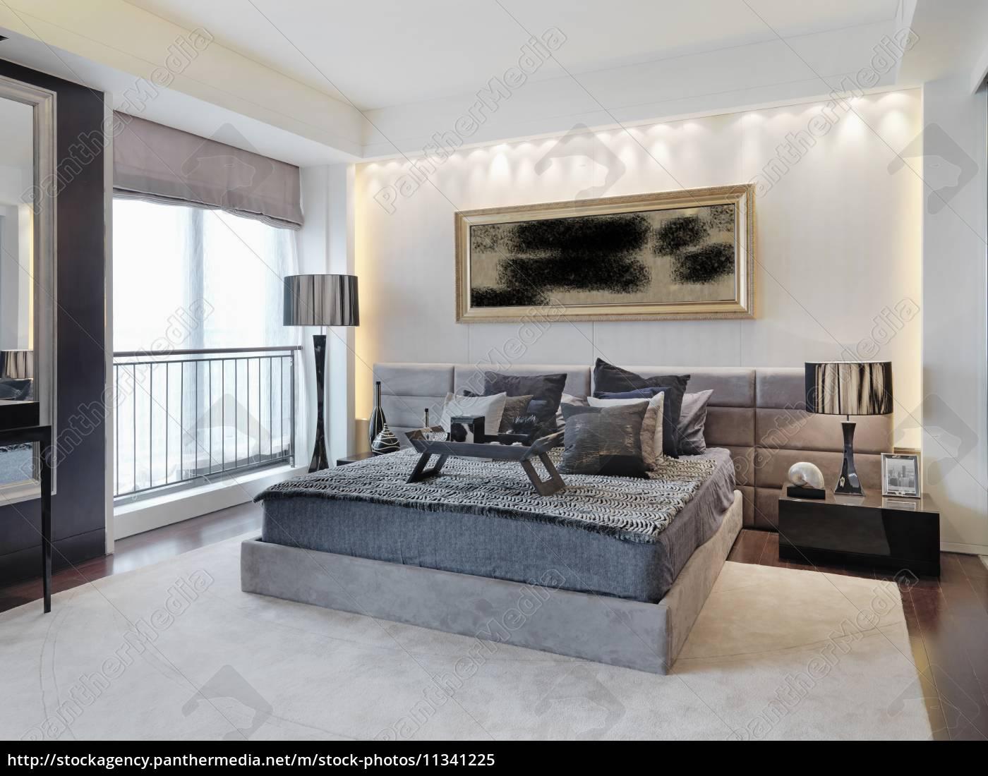 Modernes schlafzimmer grau  grau modernes schlafzimmer - Lizenzfreies Bild - #11341225 ...