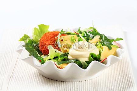 gruener salat mit kaese
