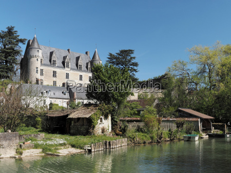 montresor village and castle seen from