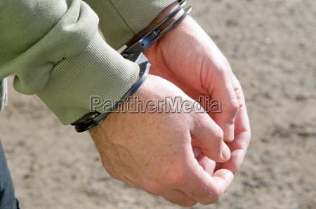 hand gesetz haltestelle anhalten gerechtigkeit verbrecher