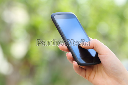 frau hand mit einem smartphone im
