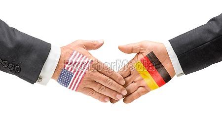 usa und deutschland reichen sich die