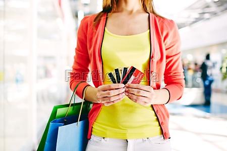 kunden mit kunststoffkarten