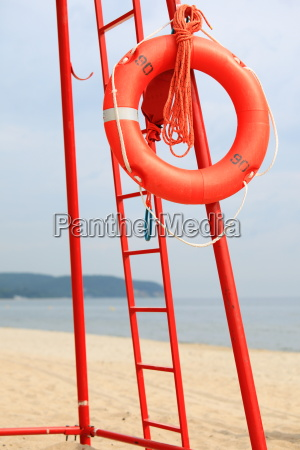 beach rettungsschwimmer rettungsgeraete orange rettungsring