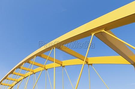 gelb bogenbruecke