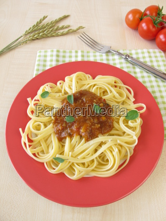 pasta with green core bolognese