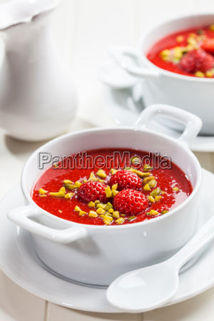 cold strawberry soup for hot summer