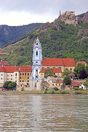 collegiate church in duernstein