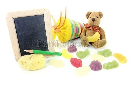 schulanfang mit teddy und tafel