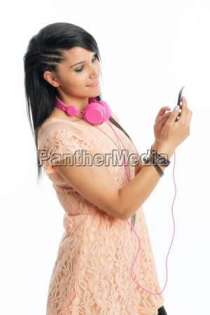 black haired girl with mp3 player