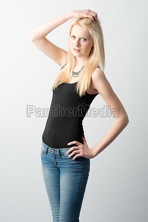 blondes, mädchen, mit, langen, haaren - 11817001