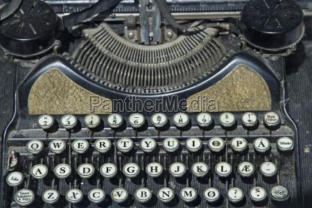 alte schreibmaschinentastatur