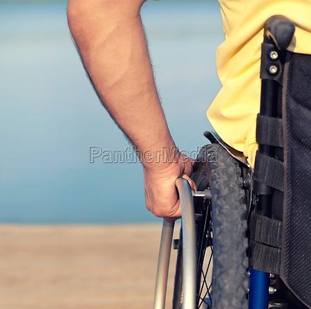 rollstuhl, hand, gesundheit, bewegen, rollstuhlfahrer, behinderung - 11922333