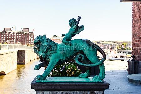 metal figure of a lion