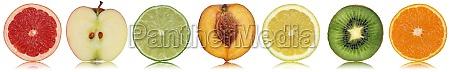 gesunde fruechte wie apfel orange und